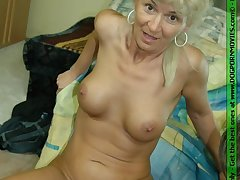 Mature housewife obtaining fucked off out of one's mind a horny string bag